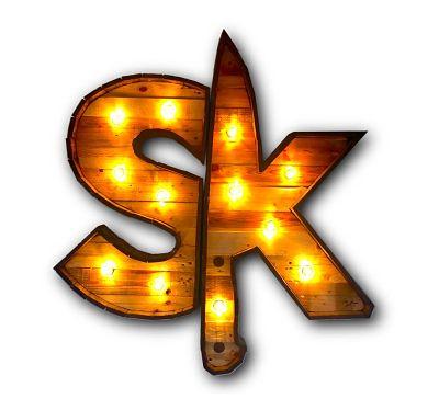 Decoración de restaurantes: Logo luminoso de madera para Sibaritas Klub